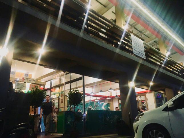Kusina Unoの店外の様子