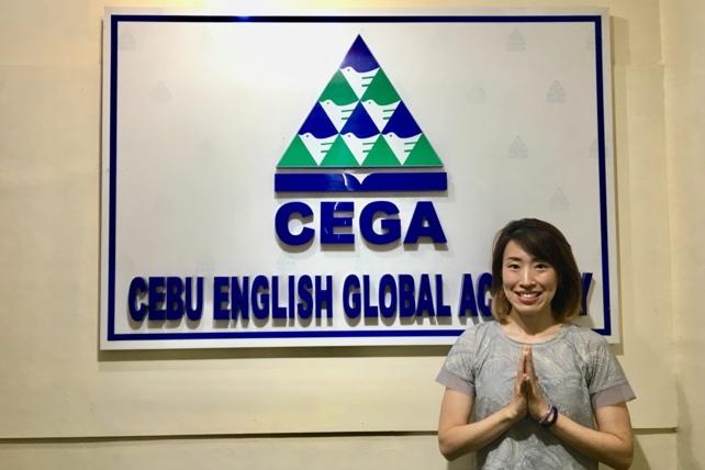 CEGAのヨガレッスンの講師